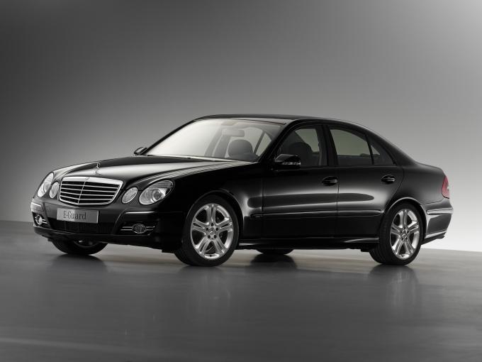 Mercedes_2006_E-Klasse_Panzerung_B4_1.jp