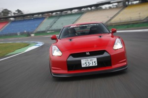 KW_2009_Nissan_GT-R_3