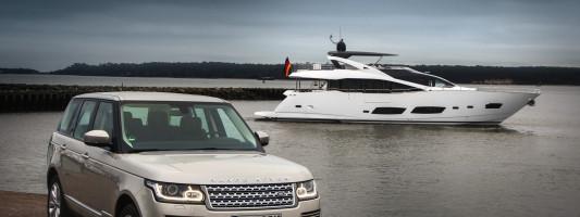 Range Rover Modell 2013 mit Sunseeker auf der Boot