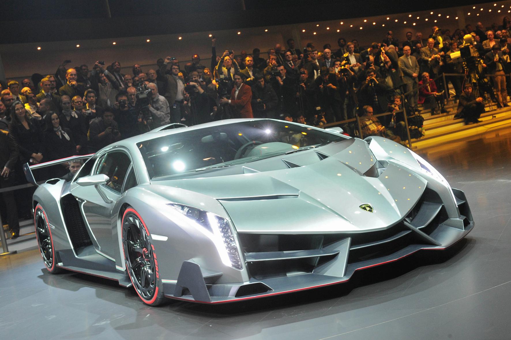 Lamborghini_Veneno_1