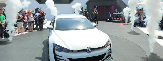 """neuer VW Golf """"Design Vision GTI"""": Weltpremiere am Wörthersee"""