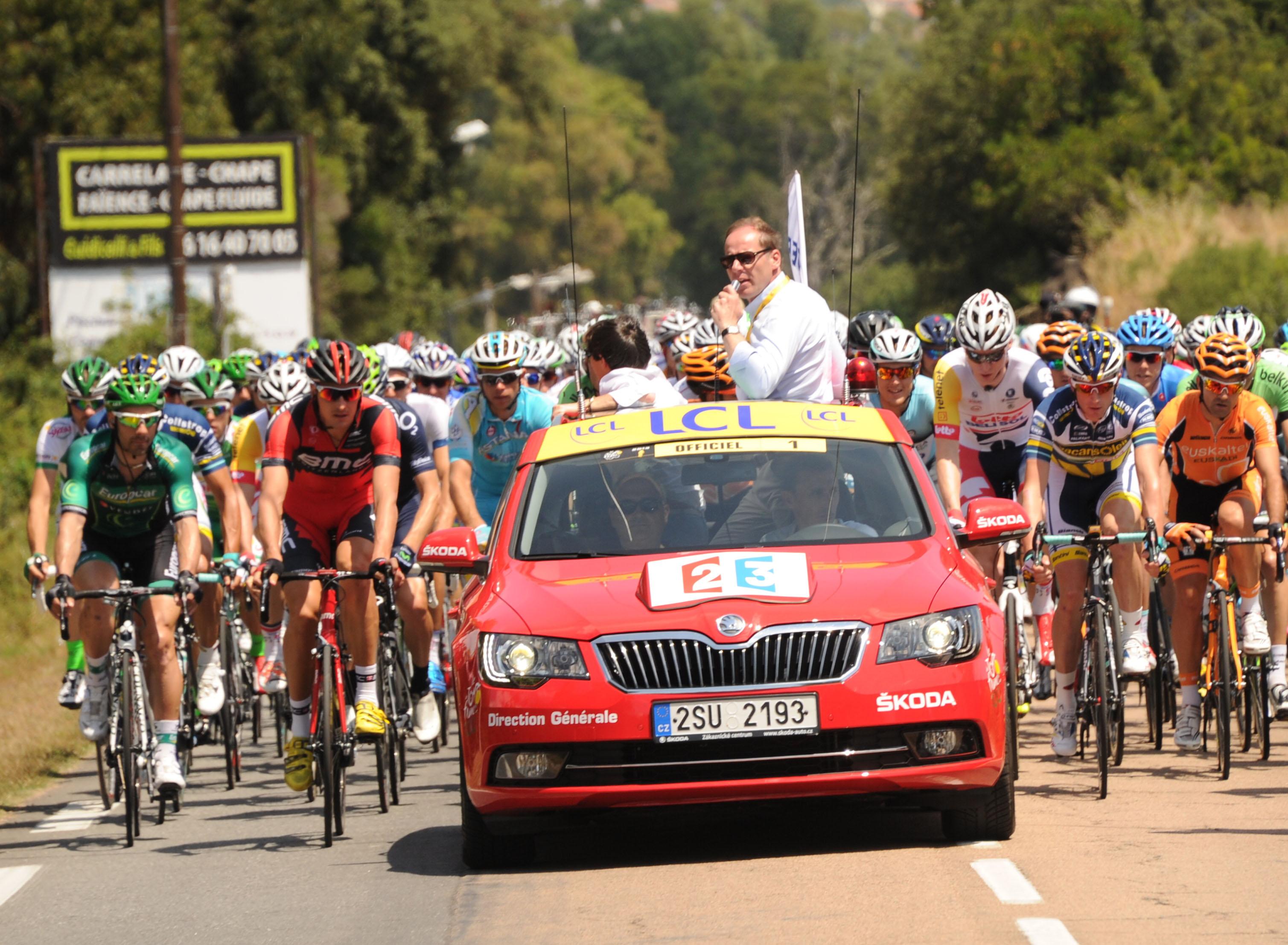 neuer_Skoda_Superb_Premiere_Tour_de_France